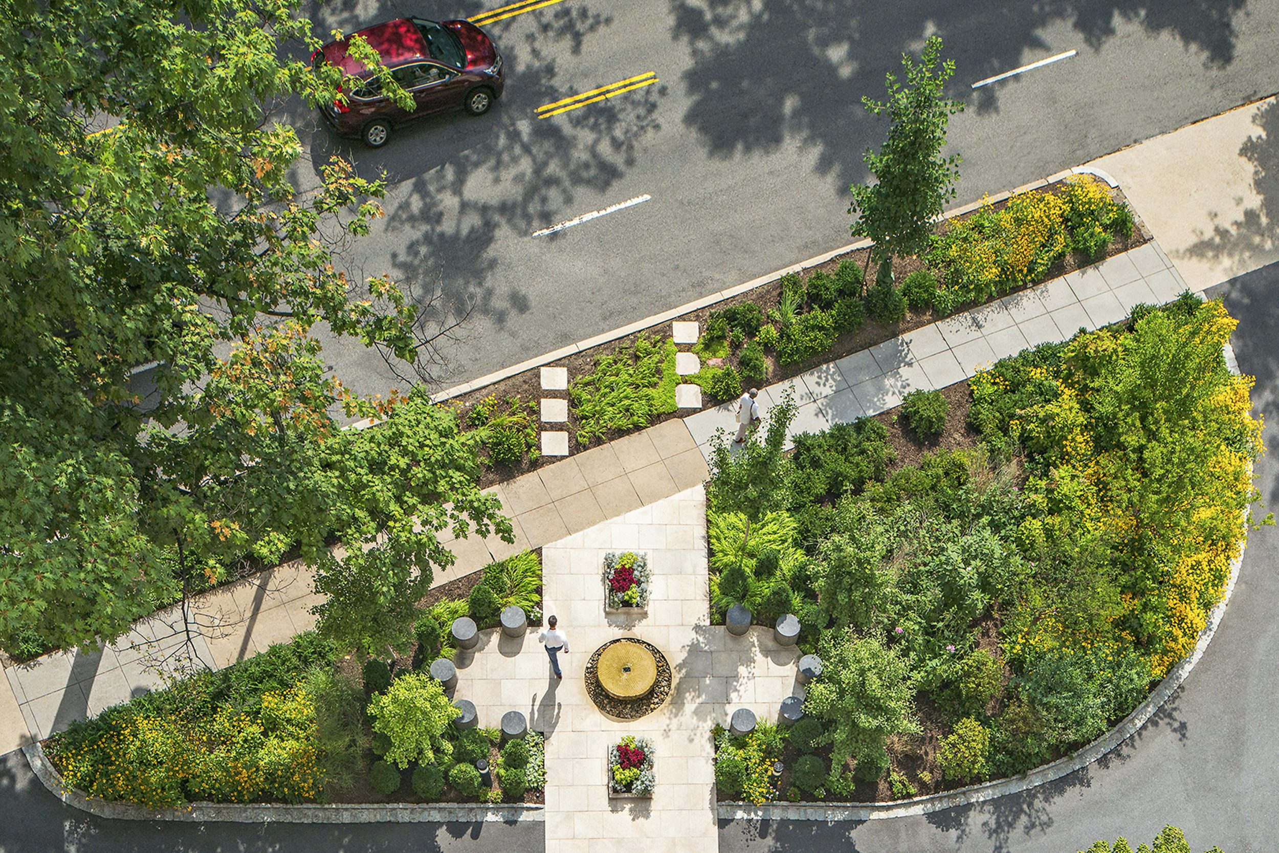 4600 Connecticut Avenue Garden
